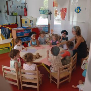 S21 09.05 JAC 081 315x315 - Crèche associative La Lanterne Magique