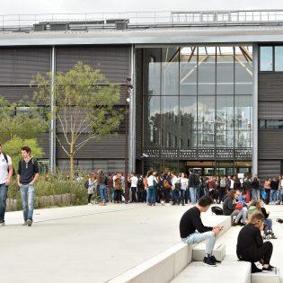 S09 JDO 09.15 107 315x315 - Lycée Nelson Mandela