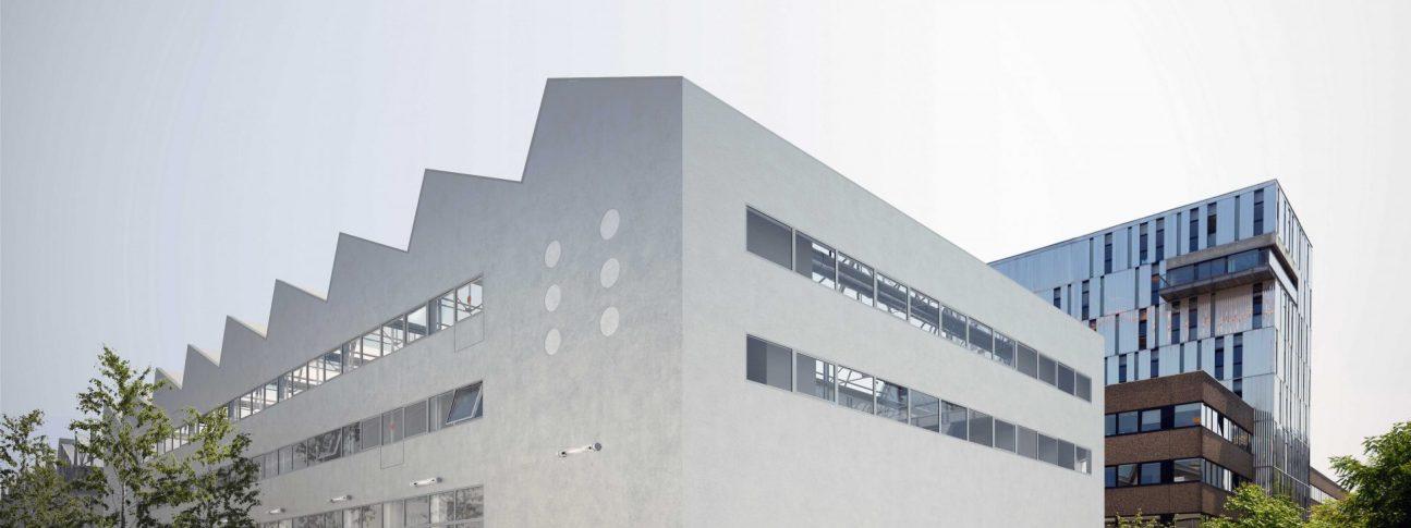 S13 PRO 904 1295x485 - Halle 6 ouest - Pôle Universitaire interdisciplinaire des cultures numériques