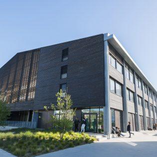 WEB JON 04.16 84 1 315x315 - Lycée Nelson Mandela