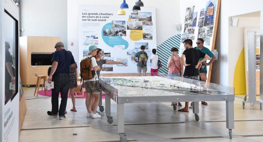 Une Hangar 32 2019 850x460 - Le Hangar 32 : un espace de médiation et d'exposition sur le projet urbain