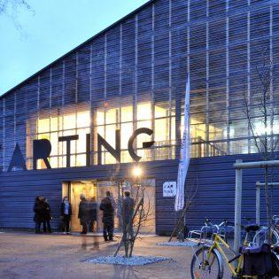 Inauguration du hangar Karting. Architecte  Berthomieu. Nantes Loire Atlantique 01 2012 © Jean Dominique Billaud Samoa 315x315 - Des halles Alstom au MIN, 30 ans d'urbanisme transitoire sur l'île de Nantes