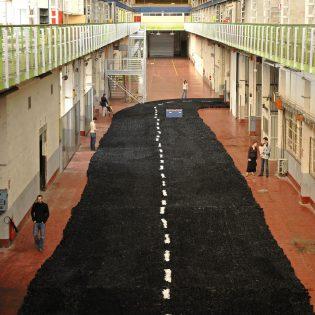 Site Alstom. Halle 6. Installation de Jean Guillaume Gallais. Nantes Loire Atlantique 05 2006 © Stéphane Bellanger Samoa 315x315 - Des halles Alstom au MIN, 30 ans d'urbanisme transitoire sur l'île de Nantes