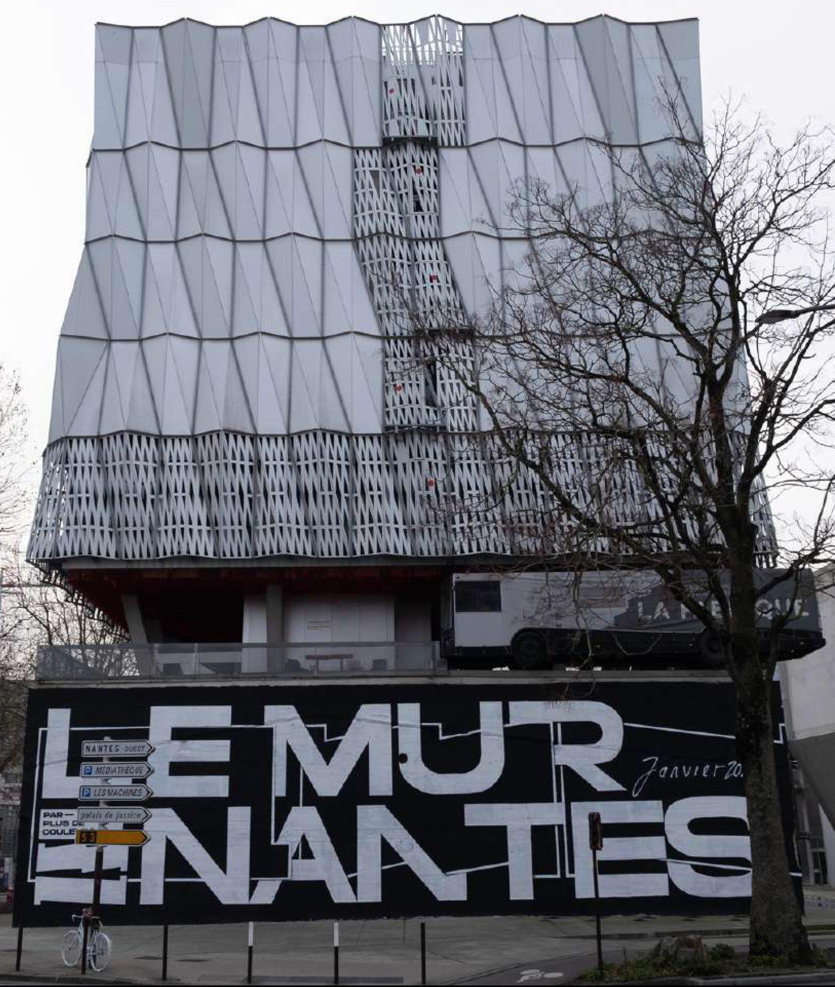 Le mur 2 e1612793549295 - Le Mur Nantes : des fresques XXL à Trempolino